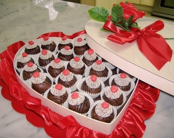 LOW-SUGAR Cake Balls Cake Truffles Chocolate OR Vanilla | For Gift, Dessert Table, Love Gift, Wedding or Special Occasion Valentine's Day