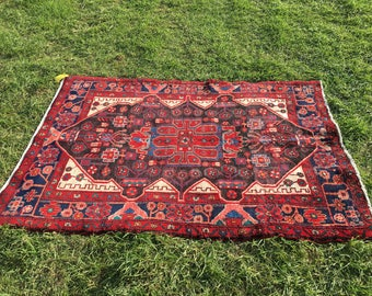 "Vintage Persian Hand-Knotted Koliaee Rug (Black, Red, Cream) 131cm x 105cm (4'3"" x 3'4"")"