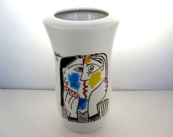 "Vase decorated with the ""head supported on the hands II"" Picasso 1962"