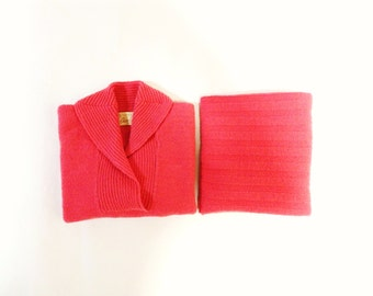 1950s dress/ 50s vivid coral pink sweater skirt suit /boucle knit 2 piece wiggle dress small medium