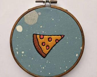 Pizza embroidery, pepperoni pizza slice embroidery, quirky gift, kitchen decor, home decor