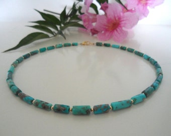 Precious stone necklace turquoise and gold
