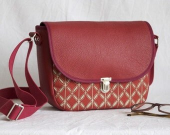 Small shoulder bag leather and canvas