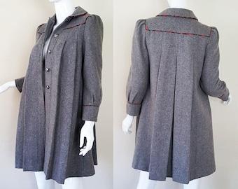 Vintage 70s/80s Grey Wool Coat / Red Plaid Lining / Grey Winter Coat / 70s Coat / 80s Coat / Size XS