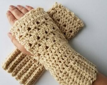 Crocheted lacy boho gloves. Women's fingerless mitts.