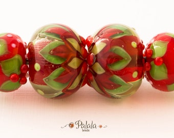 Set of Christmas themed lampwork beads