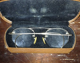 antique 1/12 gf spectacles and case with e b intials