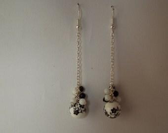 loop d ear black and white porcelain