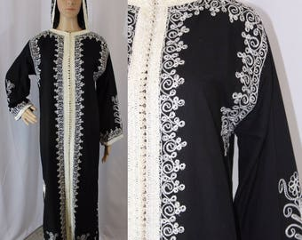 60s vintage black and white embroidered indian cotton kaftan dashiki tunic dress with loop button front modern size 6 - 8 medium small boho