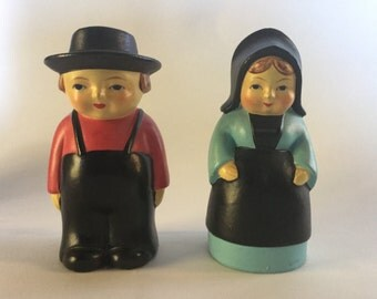 """Amish Couple Salt & Pepper Shakers 4"""""""