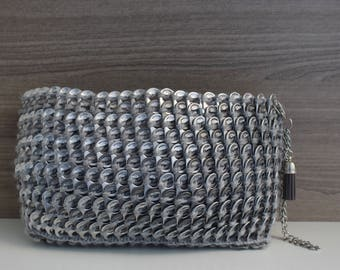 Gray Wristlet Purse, Upcycled and Hand-Knitted Clutch Bag, Sustainable Wristlet in Gray Tones, Unique Evening Bag, Recycled Can Tabs Purse