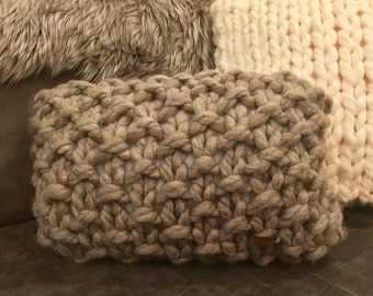 "12X18"" Knitted accent pillow in *fawn* - insert included! Jumbo knit, hypoallergenic"