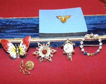 Lot of vintage pins