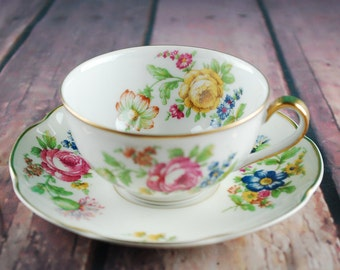 Vintage HAVILAND FRANCE tea cup and saucer set - Floral print gold rim