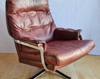 Mid Century Retro Arne Norell for Vatne Red Leather Swivel Lounge Arm Chair 60s