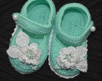 Mint Newborn Booties St patricks day Baby booties knit Newborn Booties  Baby shower gift Crocheted Baby Girl Shoes Photo Prop Shower Gift