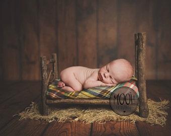 Digital Prop for Newborn - Digital background - Newborn Photography - Bed - Wood - Plaid