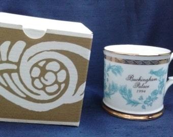 Royal Collection Buckingham Palace 1994 Decorative Mug. Boxed