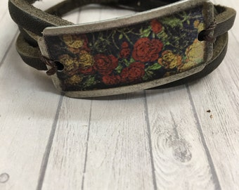 Ladies Leather and floral bracelet