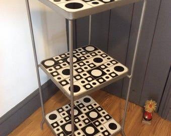 Retro Quirky Kitchen Pot Stand