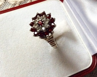 Art Deco VINTAGE GARNET RING - solid silver-Genuine garnet-Small White Topaz-Beautiful Vintage ring