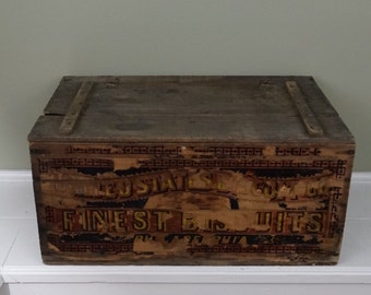 Found Antique Wooden Advertising Crate - United States Biscuit Co - over 100 years old and in great condition! Farmhouse decor