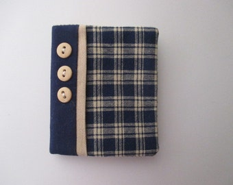 Needle Book/Needle Case/Needle Holder/Navy and Cream Plaid