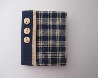 Needle Book/Needle Case/Needle Holder/Navy and Cream Plaid