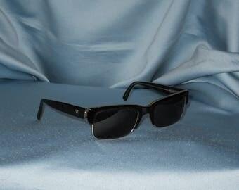 Authentic vintage Vogue sunglasses !
