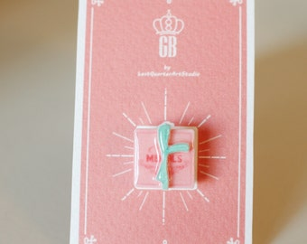 Mendl's box Pin / Brooch - The Grand Budapest Hotel / Mendls Pin / Grand Budapest Hotel Jewelry / Wes Anderson Pin / CHRISTMAS IN JULY