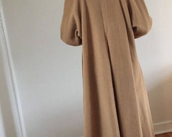 Vintage 90s 100% camel hair long trench coat / camel overcoat w/ raglan sleeve