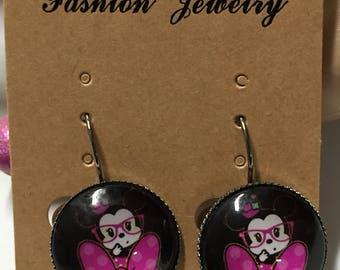 Cute minnie mouse earrings