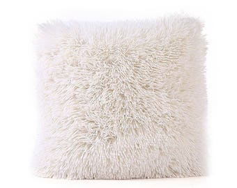 Shag Pillow (white)