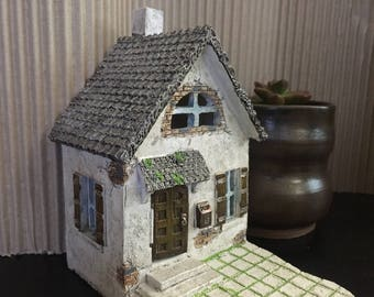 Fairy Garden   Mini Hollybrook Cottage House   Miniature Resin Home with Hinged Door and Attached Patio   Perfect for Fairies & Gnomes