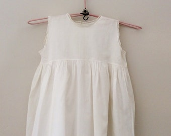 Vintage sleeveless girls dress