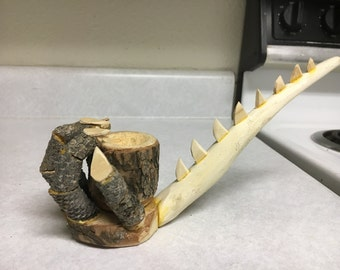 Dragon Claw Pipe