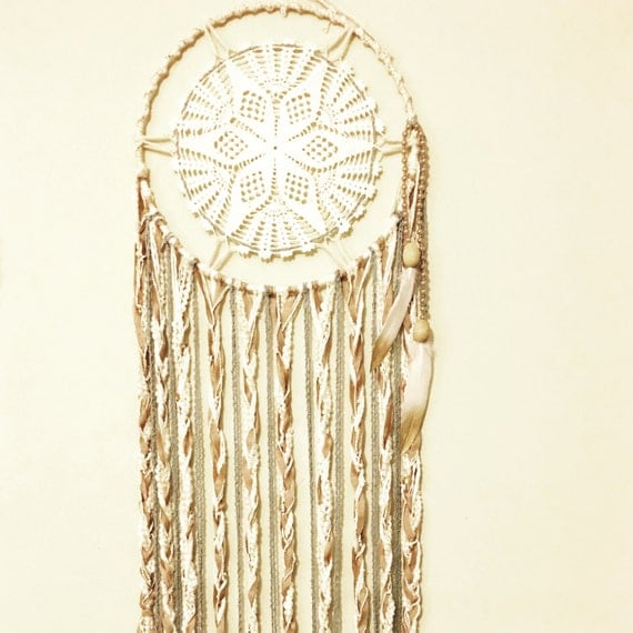 Dream catcher vintage doilie