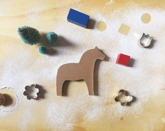 Dala Horse, horse board game