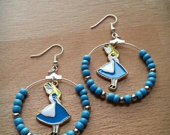 Alice earrings in the land of wonders