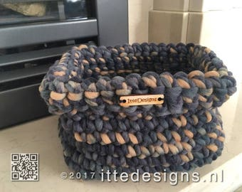 Basket 100% wool 16 x 16 cm and 13 cm coarse crochet-by Itte-