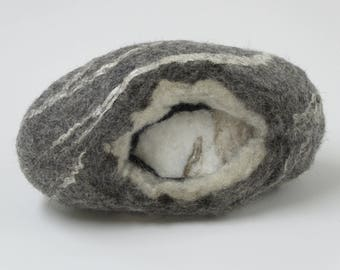 Threaded Ingevilte white marble, rough marble in a wool jacket with silk, gotlandwol, Merino Wool and silk fibers, felted House decoration