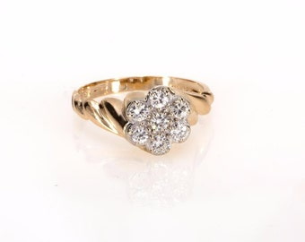 Vintage 14K Yellow Gold 0.50 CTW Diamond Ladies Flower Cluster Ring - 3.4 Grams