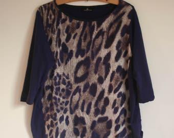 Women blouse. Blouse, women blouse, Navy Blue, (indigo) and leopard.  Size 38 M. French vintage.