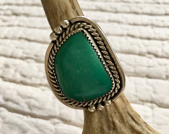Vintage Navajo Size 8 Sterling Silver and Turquoise Statement Ring ** FREE SHIPPING **