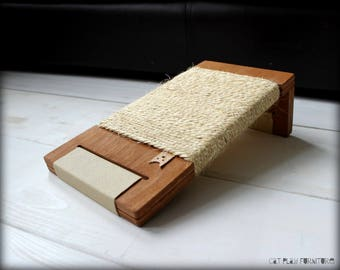 Cat scratcher - Floor Angle Kitty (Leather Base Collection). Scratching post for cats, best cat scratching post, cat scratching furniture