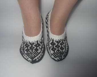 Hand knitted Woo Slippers, Warm, Soft, Socks for sleep, Women's Slippers