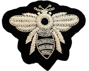 silver bee / Hand made embroidered patch