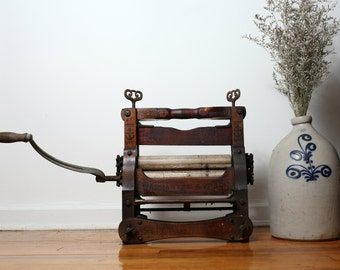 Anchor Laundry Wringer - Antique Laundry Wringer