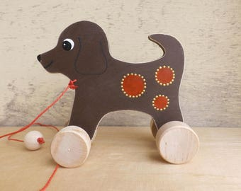 Wooden pull and push toy Dog in brown, hand cut hand-painted toys for kids for toddlers, pull along wood toy dog on wheels personalized gift