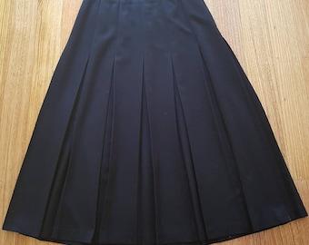 Vintage Retro 80s Black Midi Winter Pleat Skirt